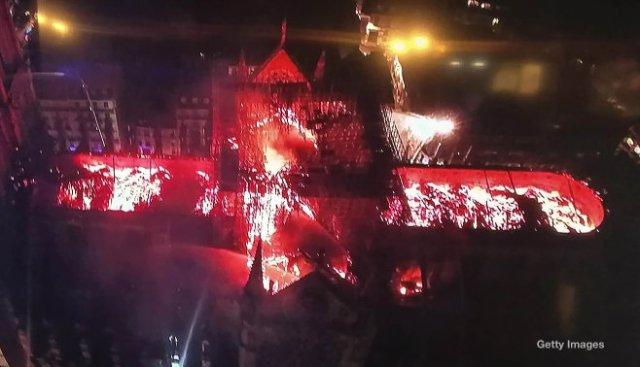 Notre Dame de Paris burning, seen from the air. (April 16, 2019)