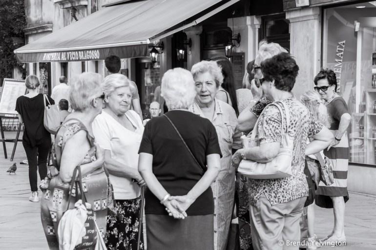 Italian ladies-08181