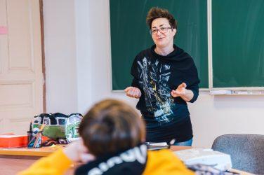 Marina Orsag u ulozi profesorice hrvatskog jezika u školi EPOHA