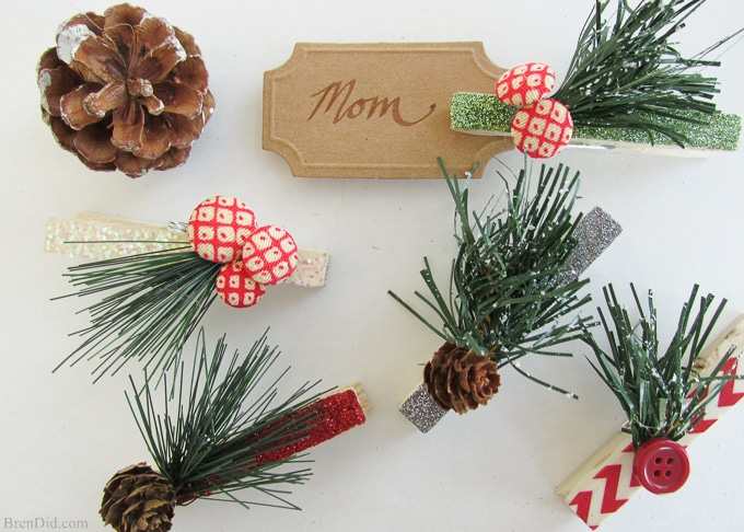 Pinning to make for gifts. Adorable Homemade Christmas Gift Tags from BrenDid.com. I love clothespin crafts!