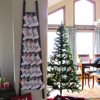 Christmas Decorations: PB inspired Wooden Advent Calendar with Stockings