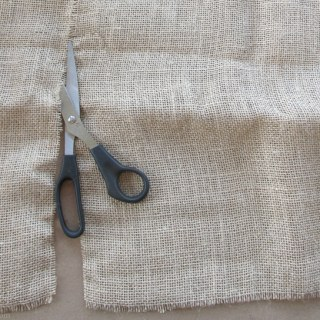 How to Easily Prepare Burlap for Crafts
