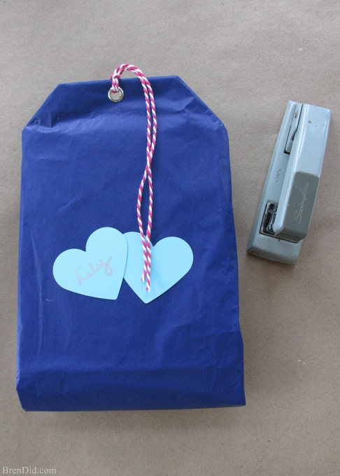 Hosting a tea party or giving a tea-based gift? These easy tea-bag shaped gift bags are an adorable invitation holder or gift bag. Learn how to make them with this easy tutorial from BrenDid.com