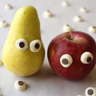 Easy Edible Chocolate Eyeballs