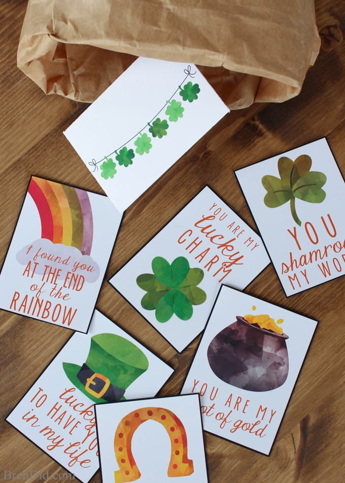 Adorable Saint Patrick's Day Lunch Box Notes feature simple messages and colorful holiday images for kids. Tiny matching envelopes turn the notes into miniature pieces of mail. Print, fold, tape... and YOU are the supreme master of the lunch box note. Absolutely no artistic talent needed! Kids lunch idea.