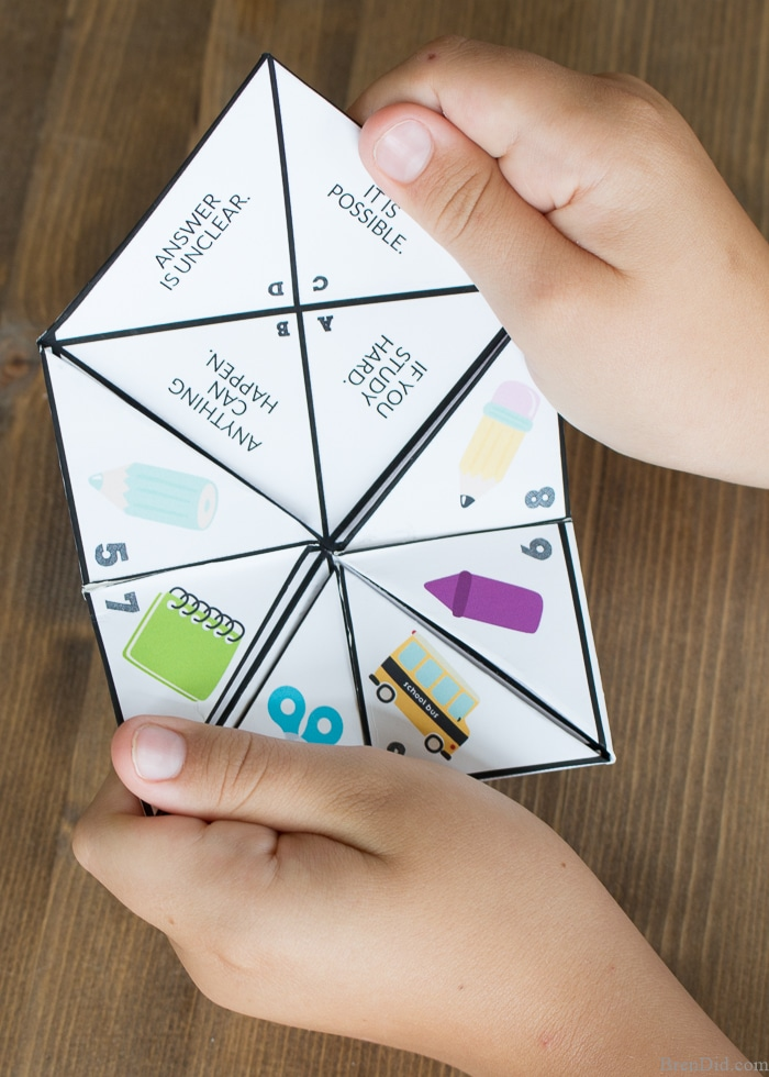 This back to school paper fortune teller is a conversation starting game for elementary school students and adults. Use the free printable to get kids talking about their back to school concerns and get a glimpse into their brains. Cootie catchers/ fortune tellers are a easy back to school activity that kids love.