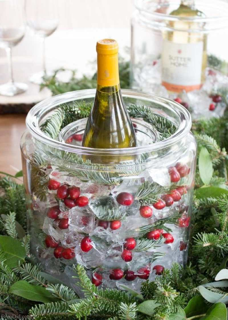 Bring the beauty of nature to your holiday party with an ice wine cooler. It takes just a few minutes and a few simple ingredients to turn your favorite wine into a showpiece.