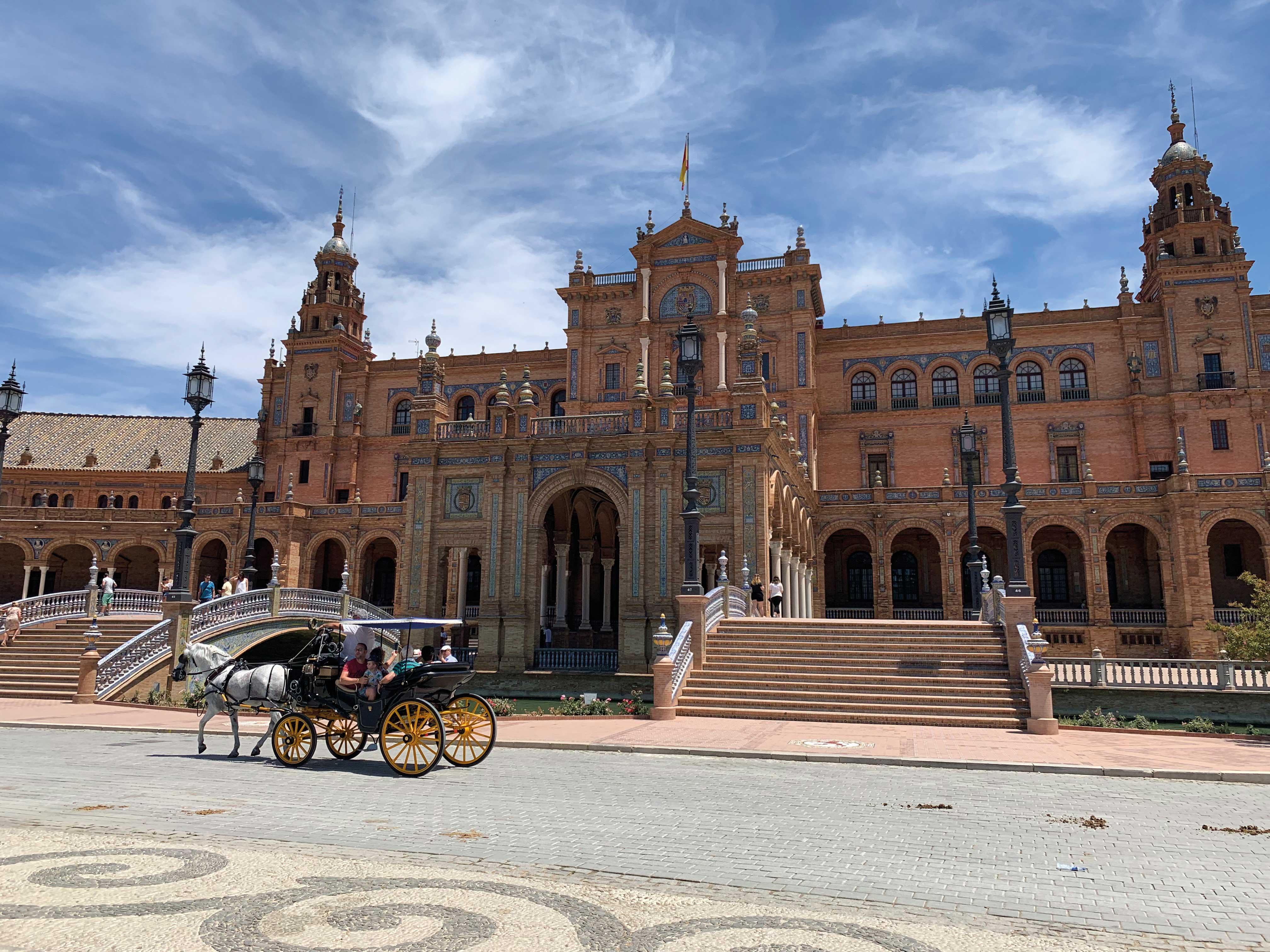 ŠARENO JE OMILJENA BOJA Seville