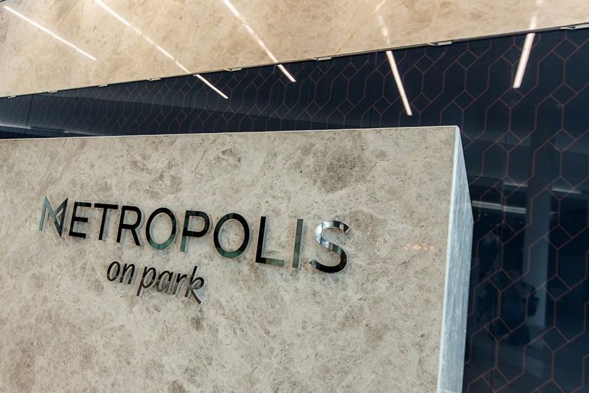 Metropolis-On-Park022