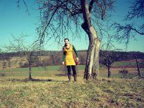 Kleid gelb mit Eulen-Kragen