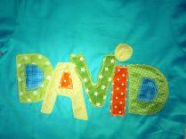 T-Shirt Buchstaben-Applikation David