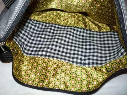 coole Handtasche schwarz grau Sternchen mit Reißverschluss und Innenfach