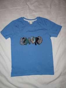 Name auf T-Shirt coole Buchstaben aus Stoff