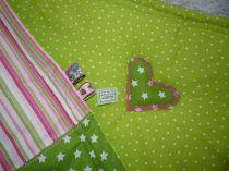 Brennender Schuh - Babydecke rosa grün