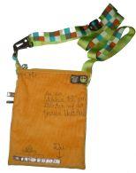 Brennender Schuh - Mini-Tasche Cord gelb mit Eulen, ausgeklappt, mit KamSnaps verkleinerbar