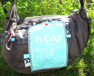 große Wickeltasche-Handtasche genäht, Anthrazit - Mint mit Aufdruck, Webbändern, Reißverschluss, verschiedene Fächer, breites Gurtband