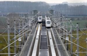 Der ICE fährt viel schneller als früher vom Berliner Hauptbahnhof nach Bayern. (Foto: Oliver Lang/Deutsche Bahn AG)