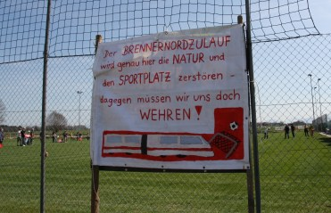 Die neue Bahntrasse für den Brenner-Nordzulauf wird eine ganze Sportanlage platt machen. Quelle: Brennerdialog