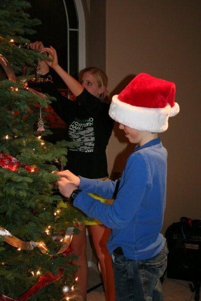 Jamison and Hannah decorating