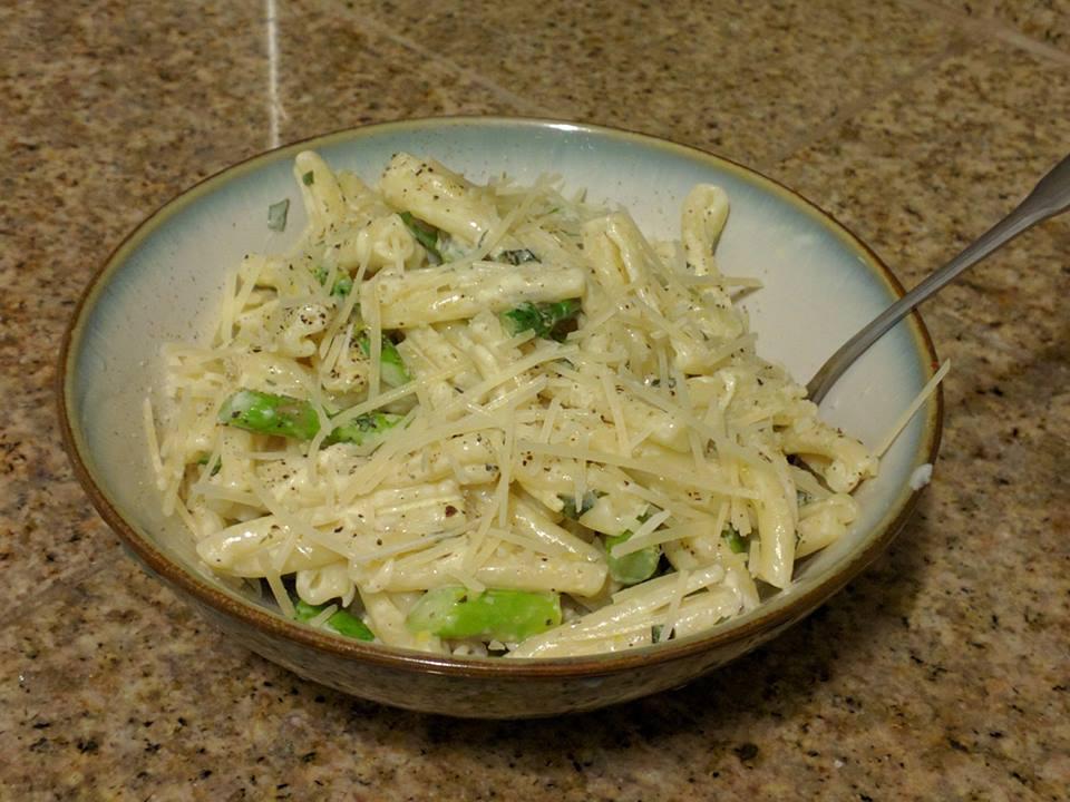 Asparagus lemon pasta