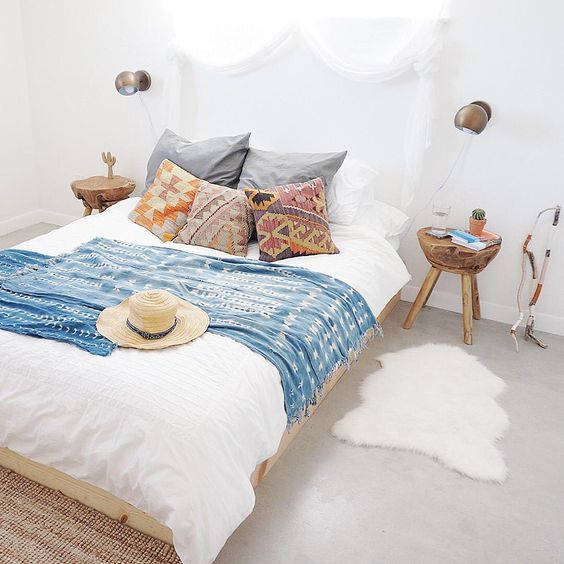 10 Beautiful Boho Bedrooms - brepurposed on Boho Modern Bedroom  id=23388