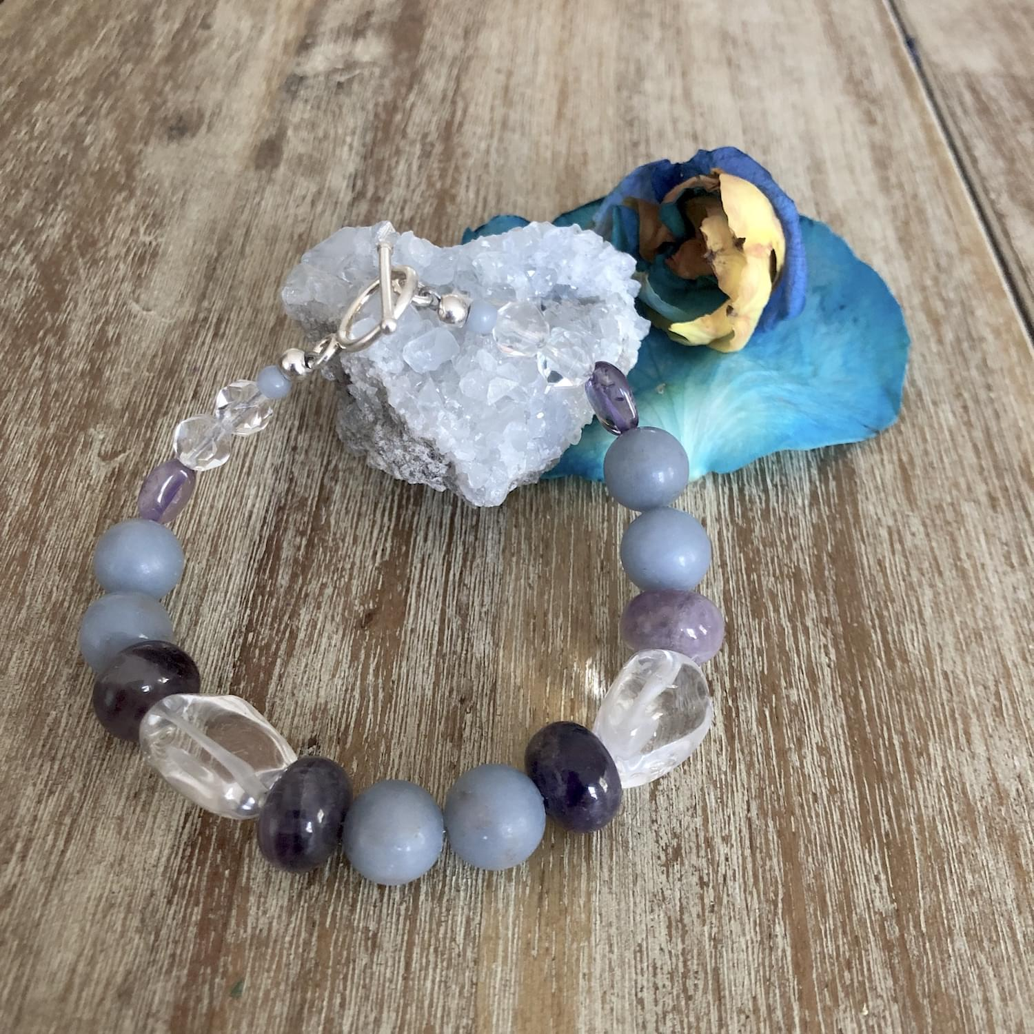 amethyst_kyanite_clear_quartz_prayer_connection_gemstone_bracelet_02.min