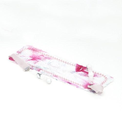 bookmark_original_artwork_silk_hand_dyed_ribbon_gemstone_crystal_minimalist_crackle_quartz_front