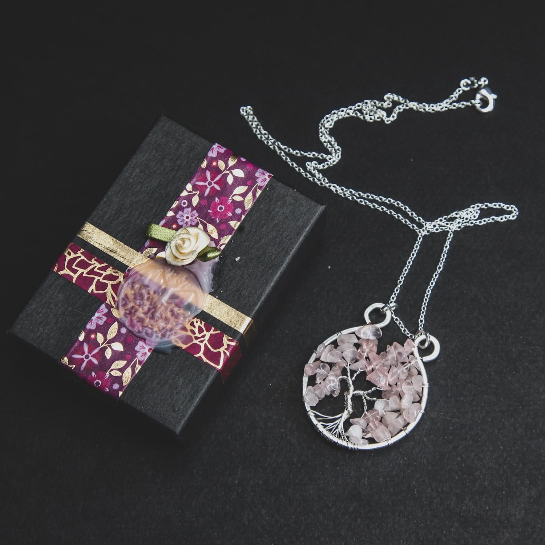 tree_of_life_gemstone_crystal_pendant_rose_quartz_02.min