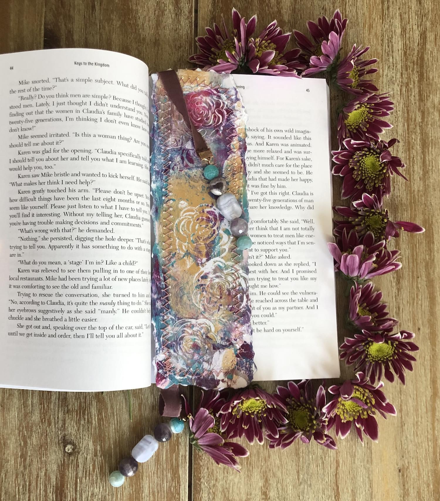 Book_drape_bookmark_example_01.min
