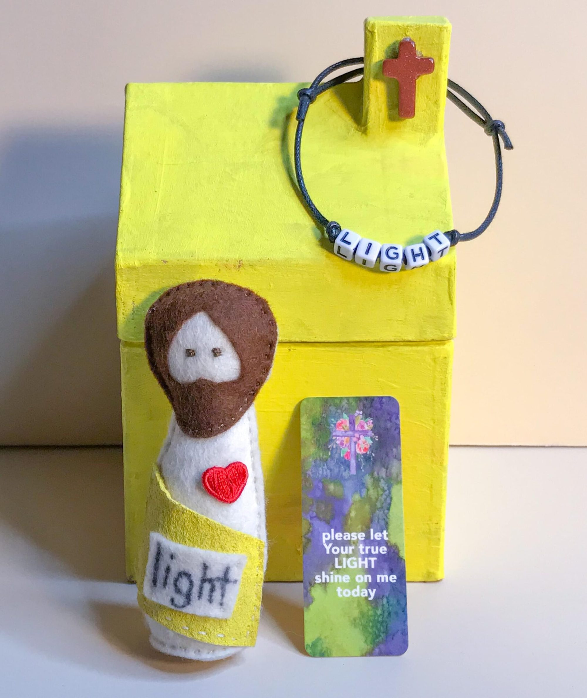 Pocket_jesus_doll_light_02.min
