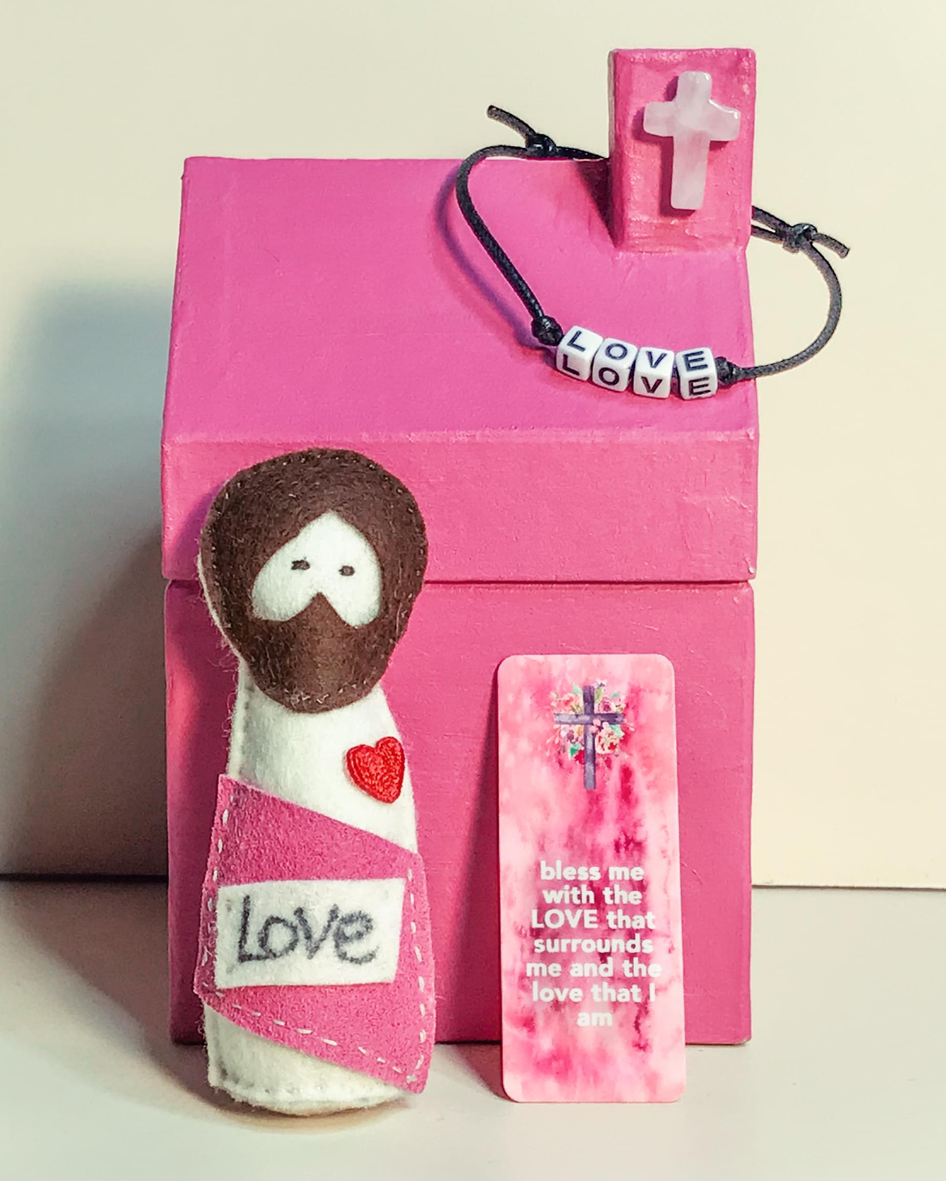 Pocket_jesus_doll_love_01.min