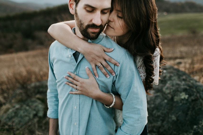 engagement photos in asheville mountains