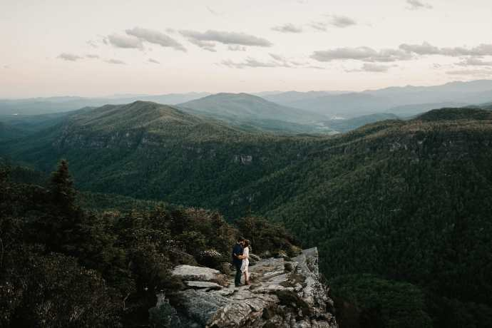 hawksbill mountain linville gorge