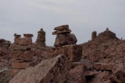 Steinmännchen im alten Steinbruch von Lofta.