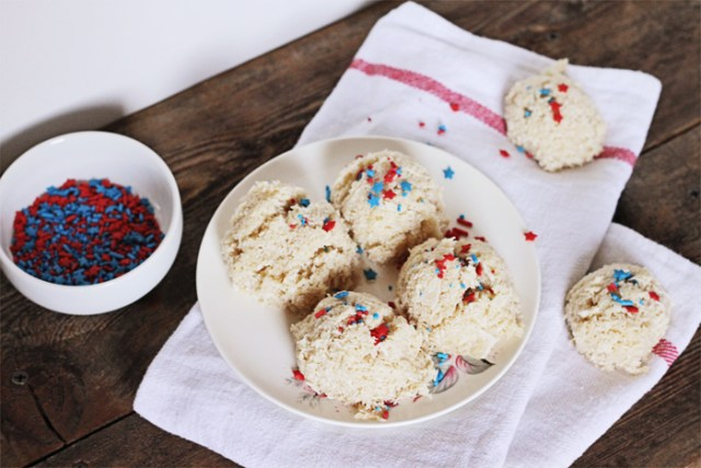 Brewed-Together-Independence-Day-Vegan-Coconut-Macaroon-Recipe-2