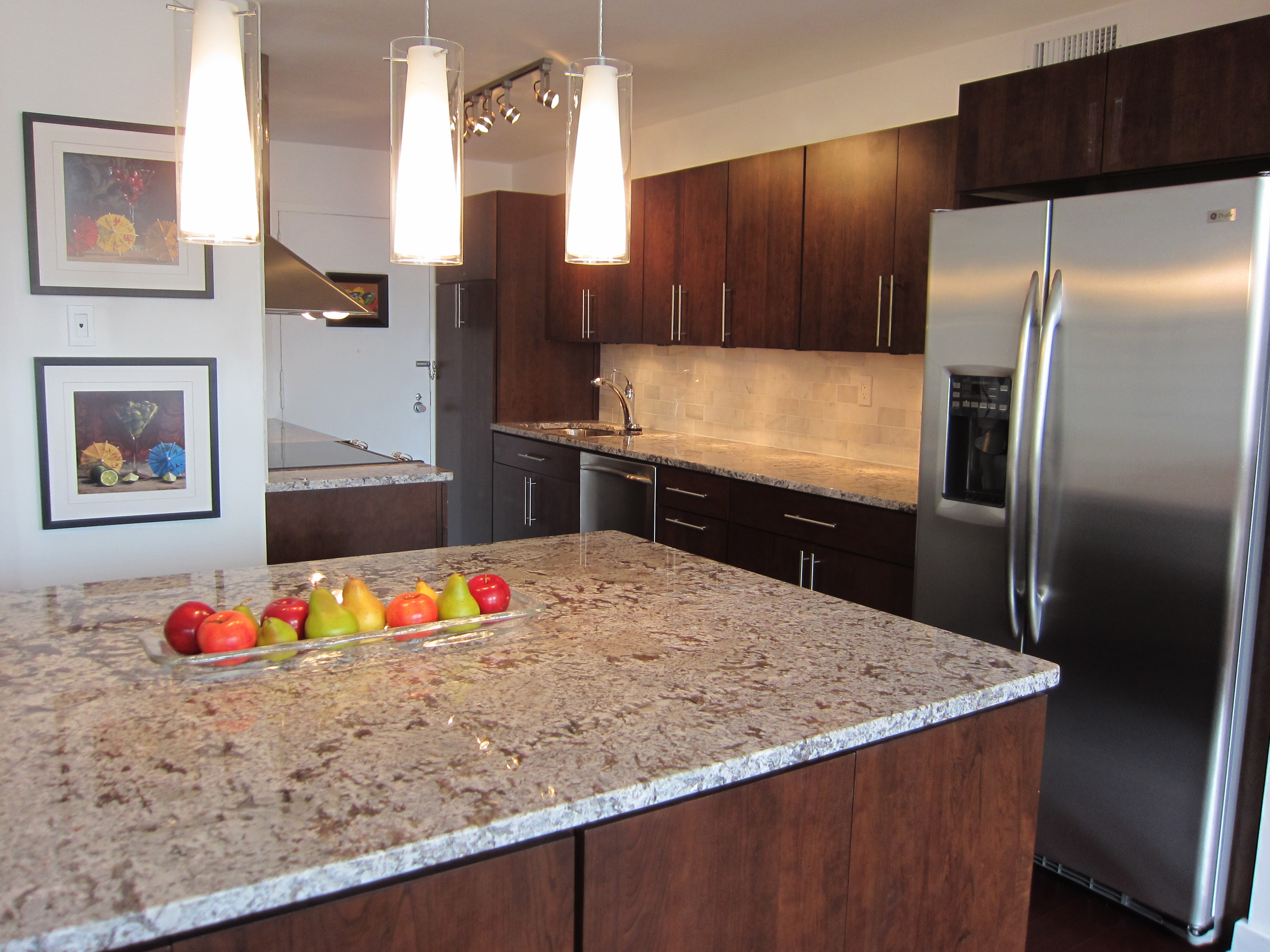 Kitchen remodeling photo gallery brewer contracting for Bath remodel kenosha