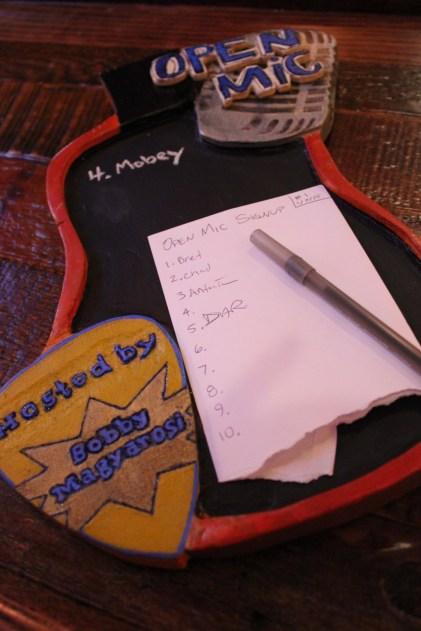 IMG_0332_open mic night_host Bobby Lee Magyarosi_Brewery Becker