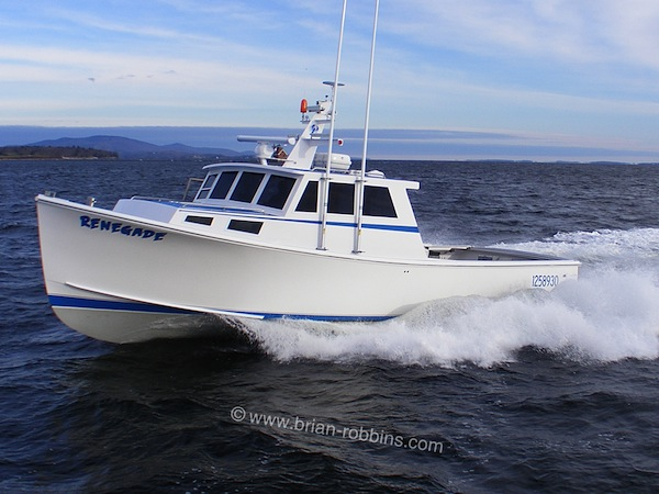 Renegade is a Mussel Ridge 42 finished by Mainely Boats of Cushing, ME for Matinicus lobsterman David Ames.  Hutchinson Composites built Renegade's 42'x15' hull and molded top.  (2015)