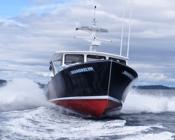 Shandrelyn is a 46' Mussel Ridge owned by Harpswell, ME lobsterman Jon Tanguay.  Tanguay finished Shandrelyn himself, starting with a 46'x15' hull and molded top from Hutchinson Composites in Cushing.
