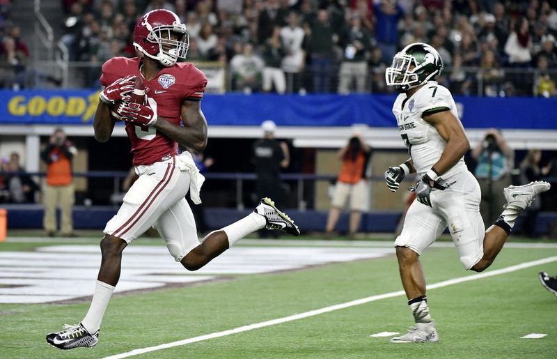 Alabama freshman WR Calvin Ridley glides into the end zone during the Crimson Tide's 38-0 beatdown of Michigan St.