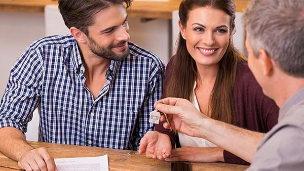 Couple happy about their mortgage after bankruptcy