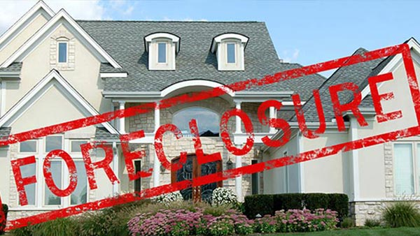 Luxury house in foreclosure
