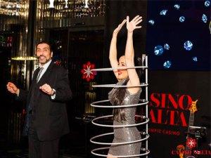 Casino-and-Hotel-Entertainment-with-Biran-Role-and-Lola-Palmer---Magic-in-Malta-MagicianMalta