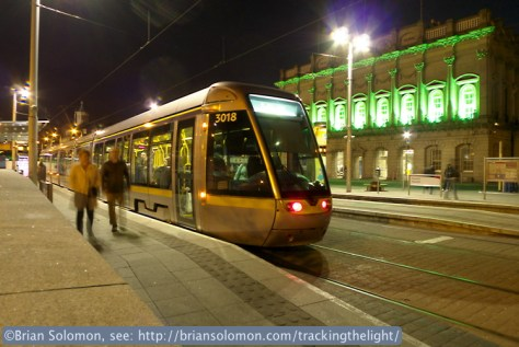 Heuston_Station_in_Green_w_Luas_mod2_P1610776