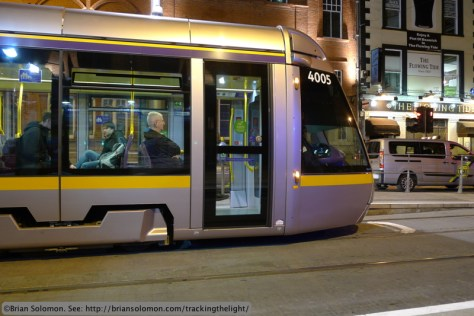 LUAS_at_Abbey_Street_at_Night_P1570484