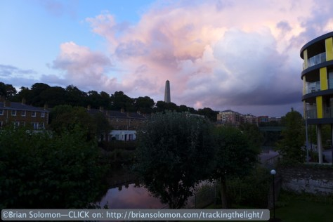 Pink_clouds_over_Liffey_P1060473