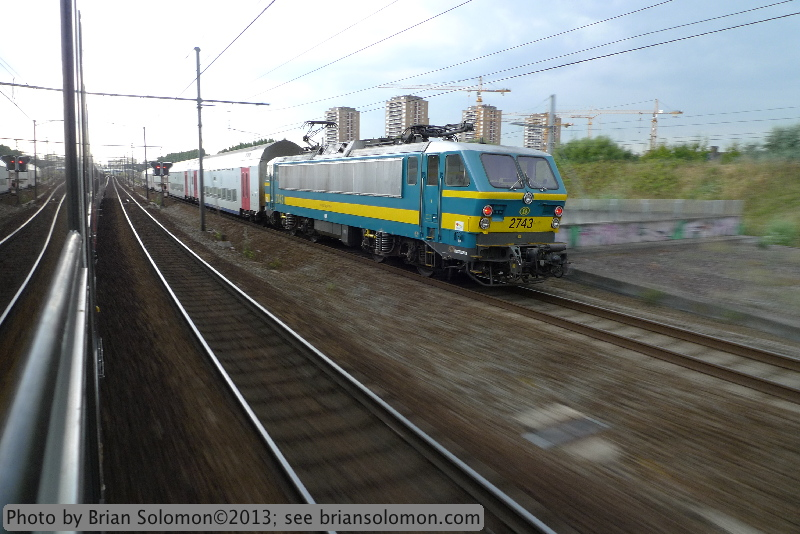 SNCB Class 27 electric at speed.