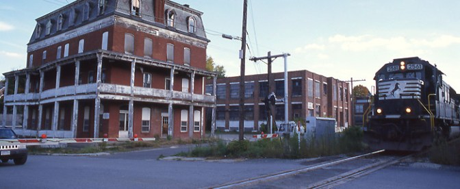 DAILY POST: Fascinating American Town in Decline