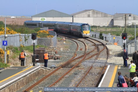 Dublin-Rosslare ICR approaches Wicklow. Canon EOS 7D with 100mm lens.