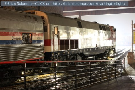 Amtrak_42_at_night_trailing_view_IMG_6269